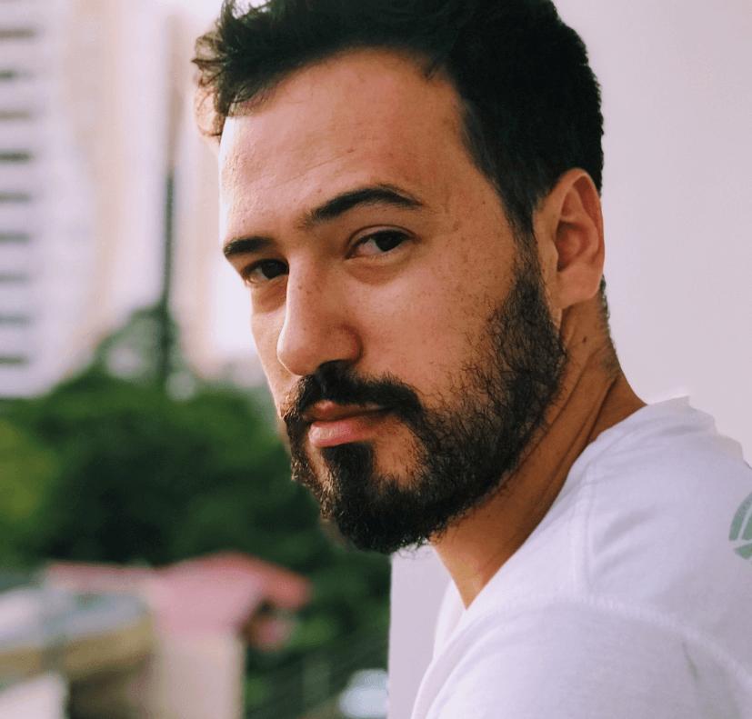 Douglas Castro Moreira